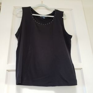Karen Scott black tank top w rivets 1x